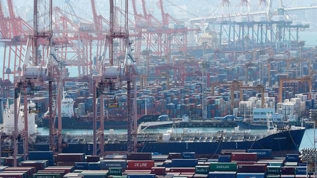 작년 韓수출 10% 가량 꺾여…中 -0.1%·日 -4.5%관련 이미지 입니다.