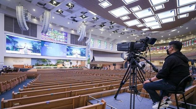 '위드코로나' 초안 나왔다…교회는 어떻게?관련 이미지 입니다.